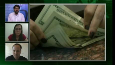 cnnee pg venezuela currency falls_00052422