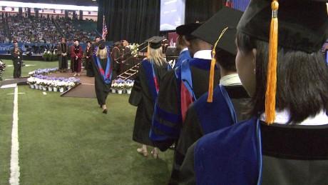 Grads & the Job Market_00002524