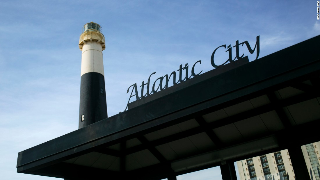 Tony then heads to Atlantic City to talk with longtime residents about the city in the time before gambling.