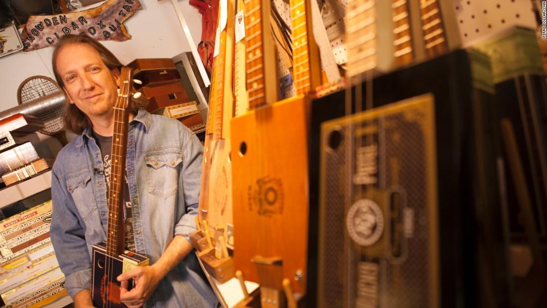 Mike Snowden - Cigar Box Guitar Evil