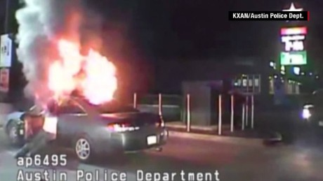 austin man sets fire car police orig_00002523.jpg
