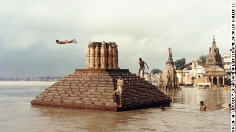 Swimmers and Diver, Scindia Ghat Raghubir Singh Varanasi, India; 1985 Chromogenic print on Kodak Ektacolor paper Gift of the Artist Arthur M. Sackler Gallery