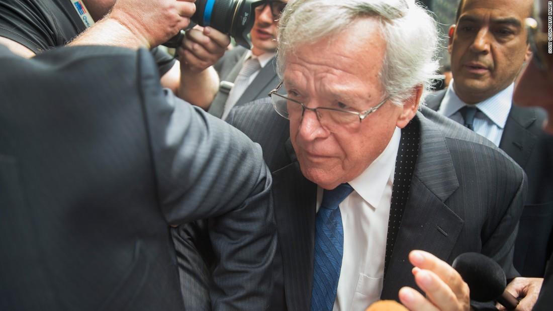 Ex-Speaker Denny Hastert negotiating plea deal ...