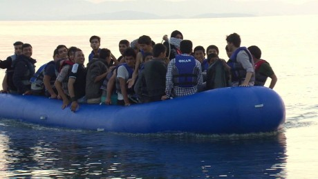 cnnee pkg soares greece migrants_00000603