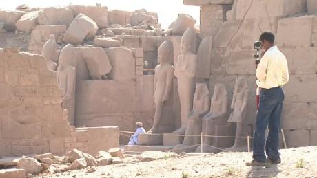 cnnee pkg levy egypt luxor_00004026