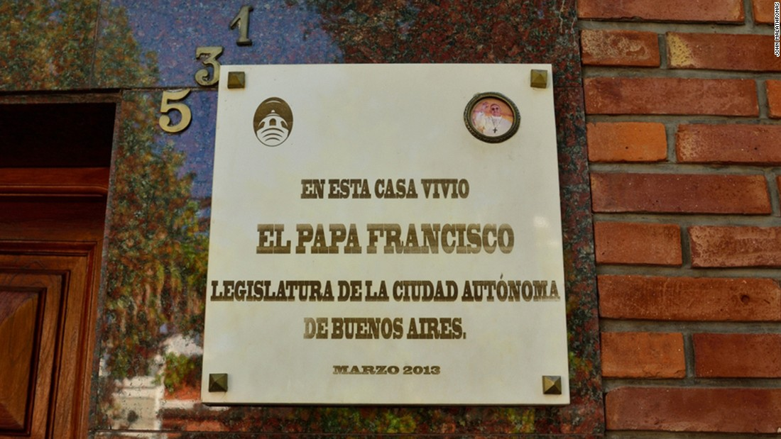 The Pope moved to a larger house at Calle Membrillar when his family expanded.