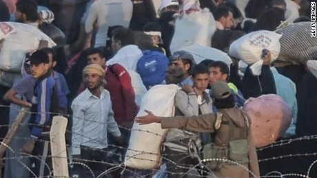 syrians border isis refugees flee shah pkg ctw_00001004.jpg