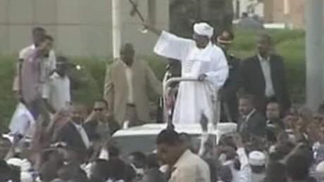 Sudan's Pres. Omar al-Bashir evades arrest in S. Africa