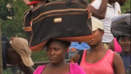 cnnee pkg perez haitians dominican republican _00002706