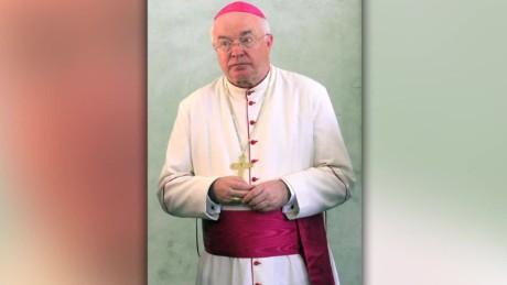 cnnee pkg valdes new vatican trial_00013826