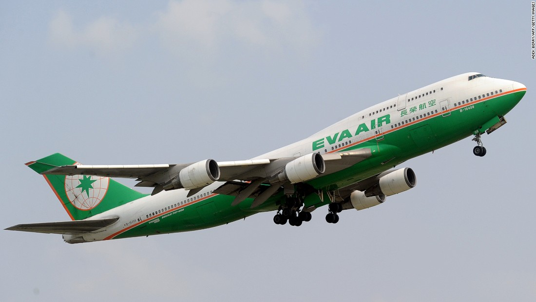 After making a debut in the top 10 airline chart last year, Taiwan's EVA Air climbed to eighth place this year. It was also named the best trans-Pacific airline.