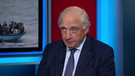 intv amanpour Peter Sutherland_00063208