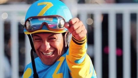 cnnee pkg hurtado triple crown horse rider_00013608