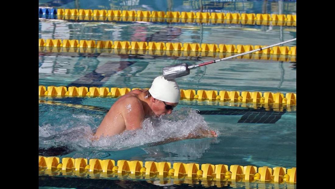 04.blind.swimmer