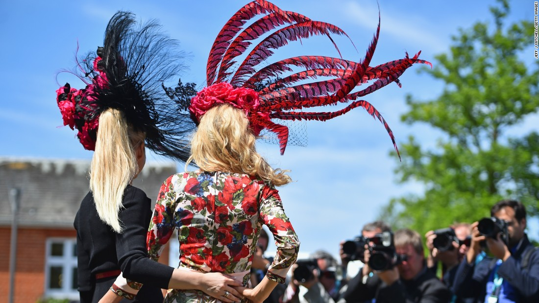 The ladies up the glitz and glamor as they take center stage at Ascot on Thursday when the horses also race for the prestigious Gold Cup.