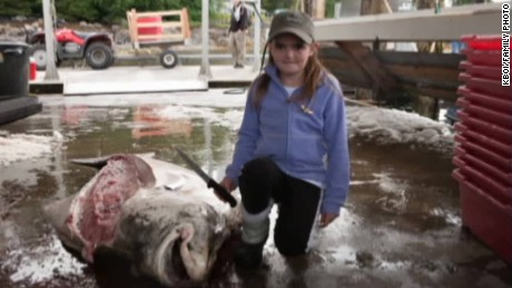 girl catches big fish_00003420