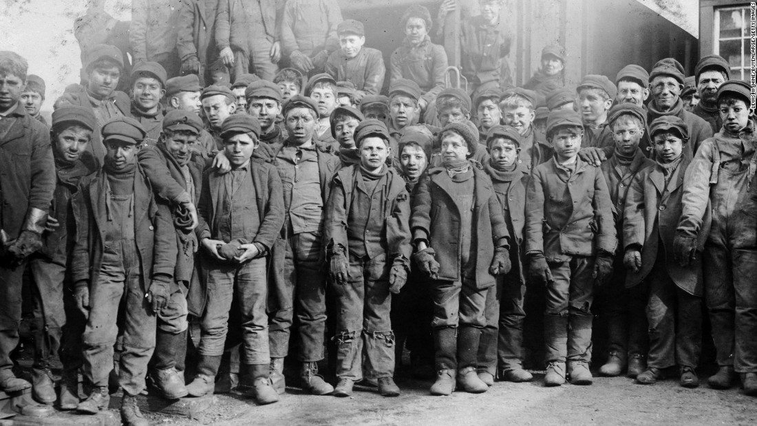 labor cases The fair labor standards act is a federal law that establishes a minimum wage, requires overtime pay for workers who work more than 40 hours in a week and regulates child labor the flsa also .