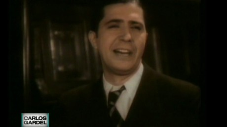 cnnee gardel 80 years without Carlos Gardel, tango king_00003914