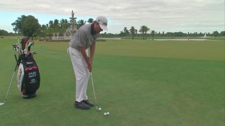 cnnee veg golf tip julio nutt how to roll the golf ball_00023107