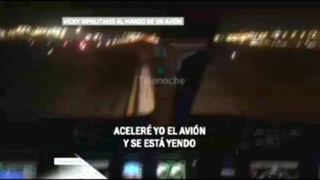cnnee pkg perez sarmenti argentina plane vedette_00002210