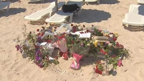 tunisia hotel attack tourist paton walsh dnt_00025224