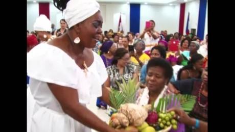cnnee pkg lugo afro women summit_00000410