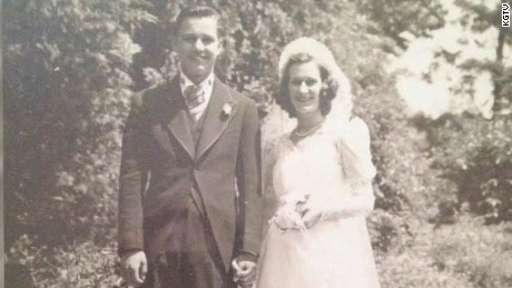 couple married for 75 years die together pkg_00000605