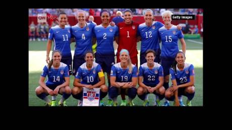 cnnee pkg la monica soccer female world cup_00000000