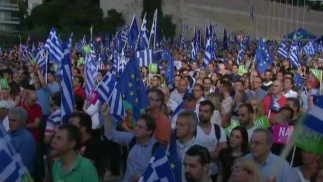greeks rally ahead of referendum soares looklive nr_00013814