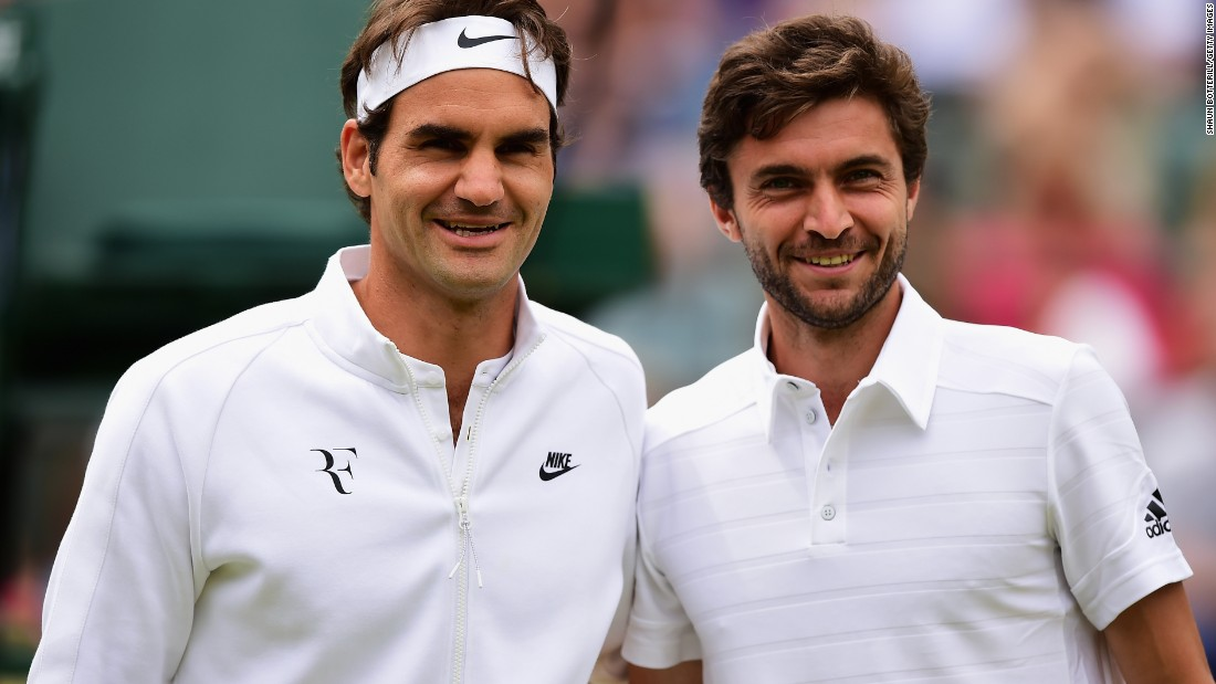 Roger Federer, left, and Gilles Simon were all smiles before their quarterfinal at Wimbledon. Federer would be the one smiling at the end.