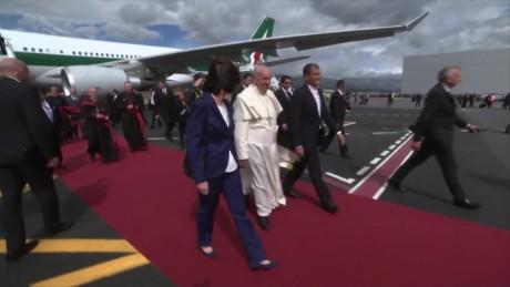 cnnee pkg vega pope francis followers from new york_00001212
