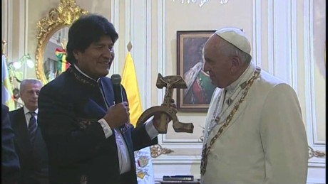 cnnee vo pope francis the gift of evo morales _00000620