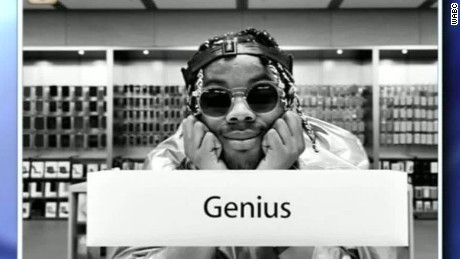 Rapper produces album apple store soho_00003620