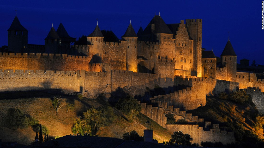 One of the most visited places in France after the Eiffel Tower, the citadel of Carcassonne is a vast collection of medieval towers, drawbridges, cobbled streets and courtyards.