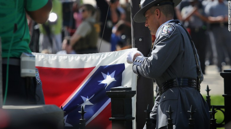 South Carolina says good-bye to Confederate flag