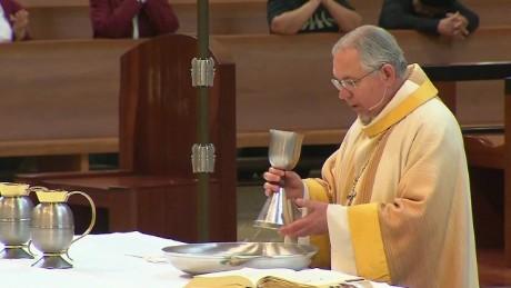 cnnee pkg hurtado archdioceses inmigration donald trump_00023801