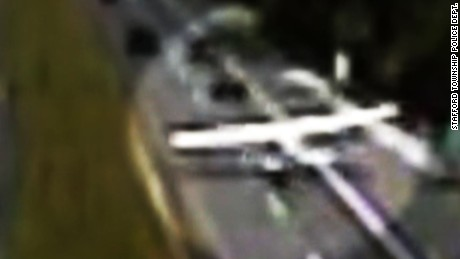 plane lands on highway video orig pkg_00000113.jpg