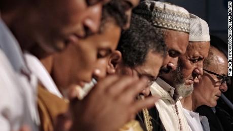 Ramadan for non-Muslims: An etiquette guide