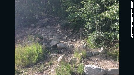 Four hikers were hit by lightning -- one of them died -- while on the Mt. Yale Trail in Colorado.