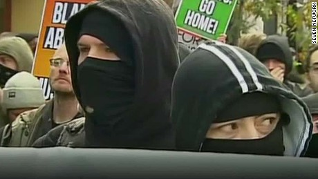 australia demonstrations turn violent dnt_00001521