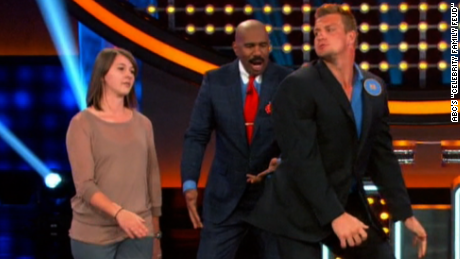 NFL star twerks on 'Celebrity Family Feud'