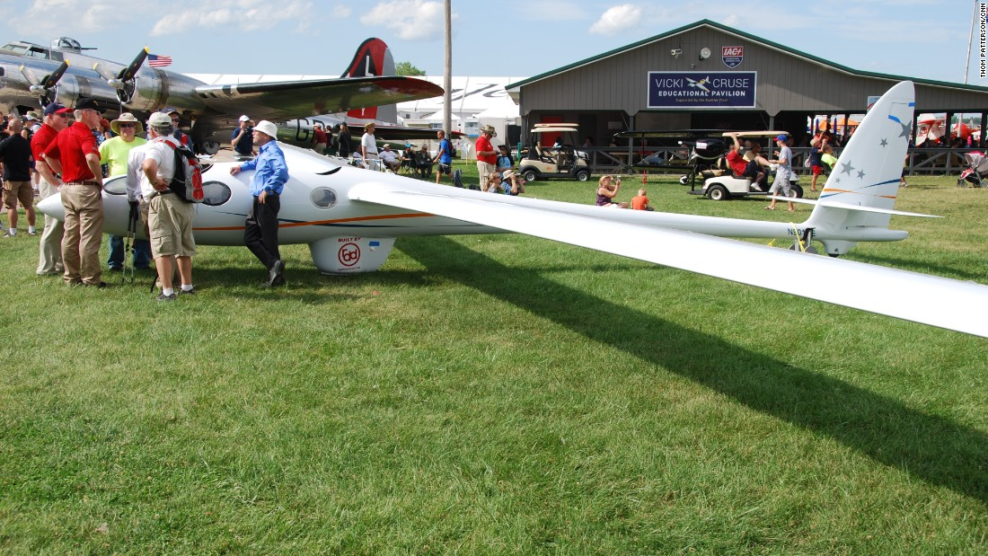 The Oshkosh airshow featured the Perlan 2 glider, which is designed to set an altitude record for piloted, sustained fixed-wing flight.