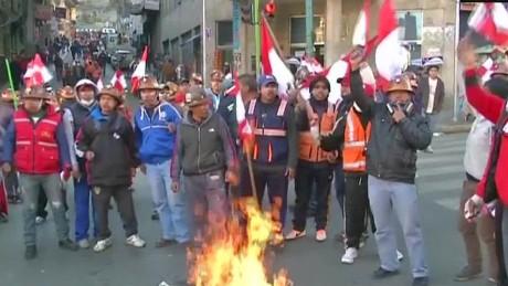 cnnee pg intvw carlos toranzo roca bolivia protests_00060727