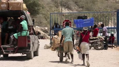 cnnee pkg perez diplomatic tension and humanitarian crisis_00001906