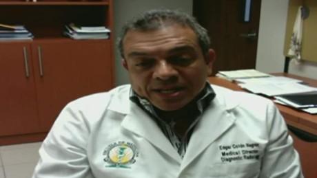 cnnee pg intvw edgar colon puerto rico doctors_00044610