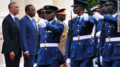 U.S. President Barack Obama and Kenyan President Uhuru Kenyatta inspect an honor guard on July 25, 2015 at the State House in Nairobi.