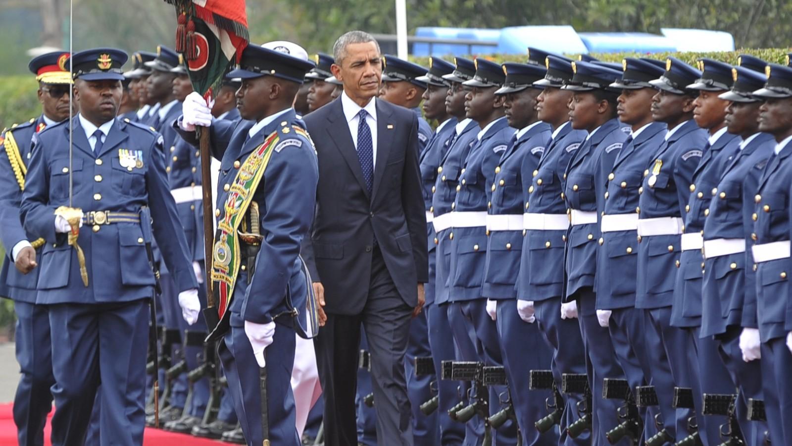 Obama cracks 'birther' joke in Kenya - CNNPolitics.com