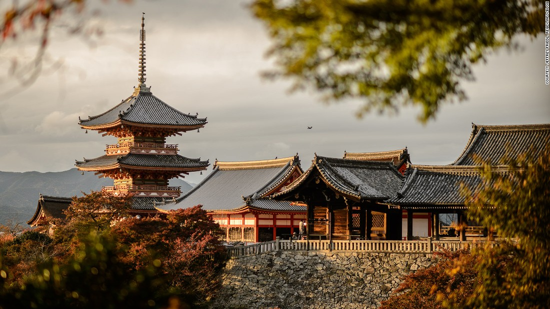 Kiyomizu-dera (Temple of Pure Water) is one of the many gorgeous sites attracting visitors.