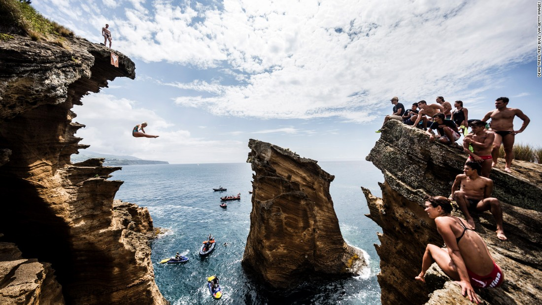 Breathtaking daring moments from world 39 s biggest diving competitions - Red bull high dive ...