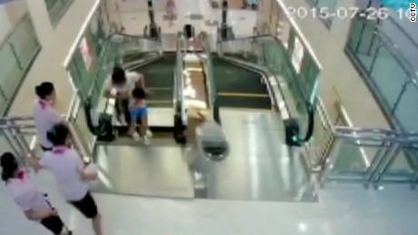 escalator death china cctv_00003004